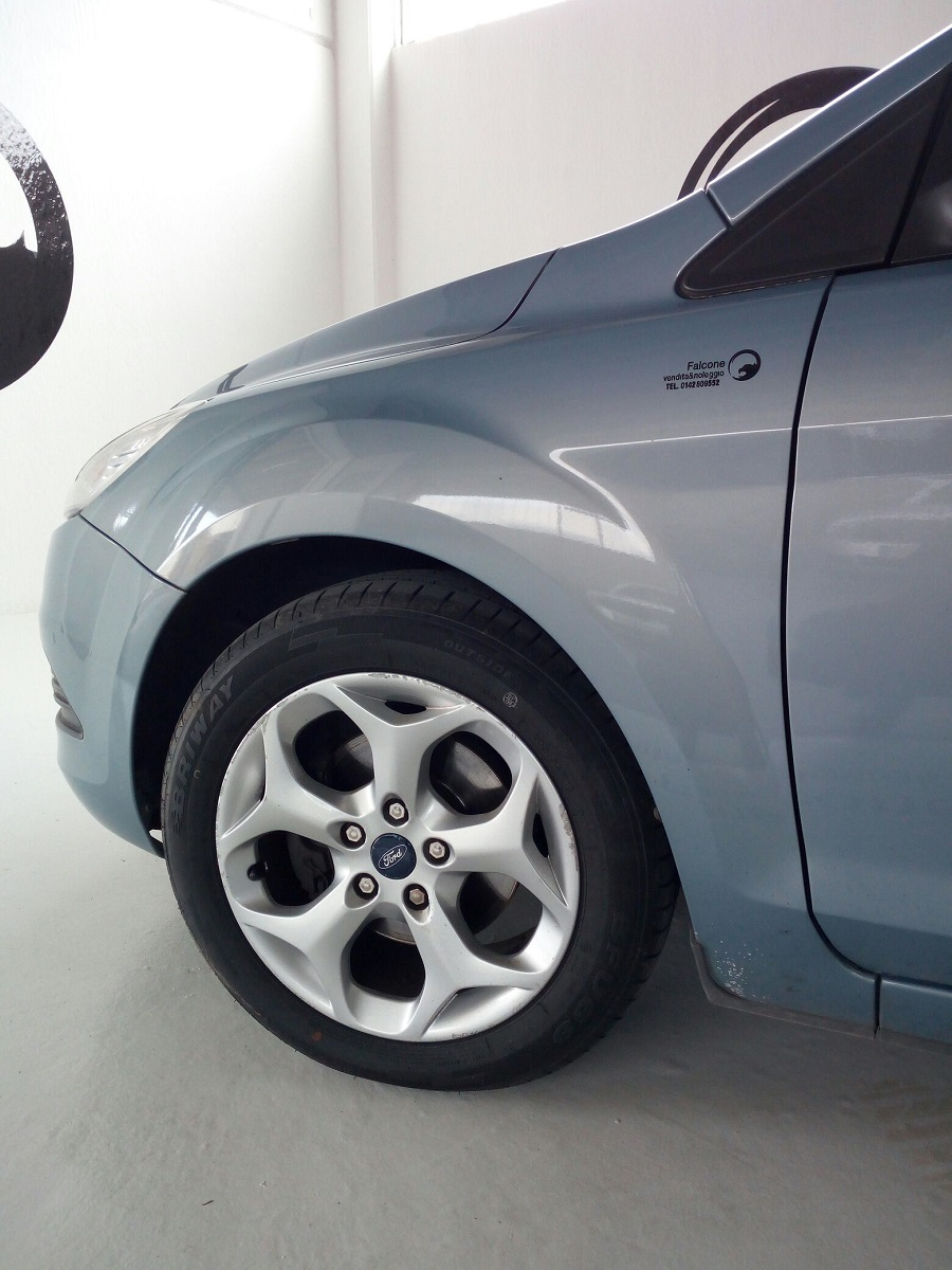 Ford Focus 1.6 SW (2)