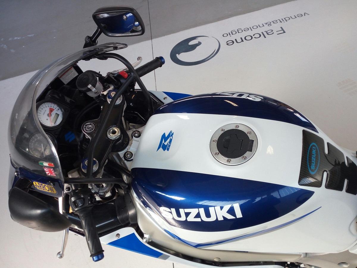 SUZUKI GSX R600 (1)