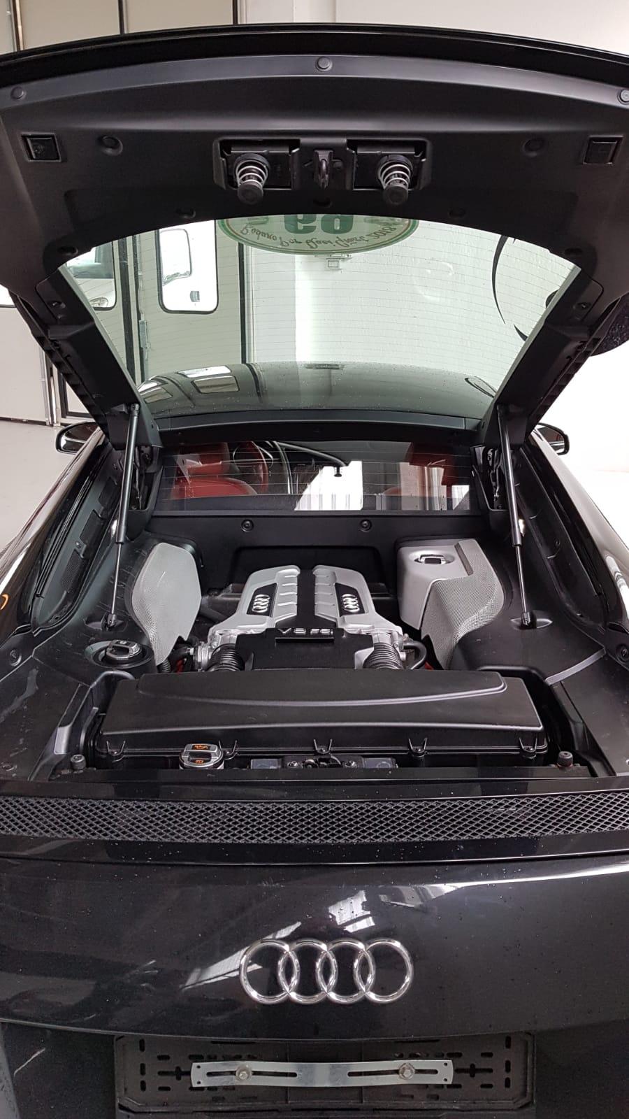 Audi R8 11